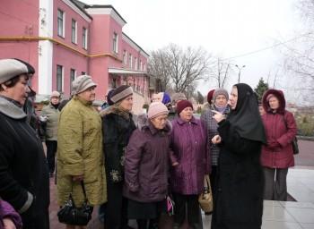 на экскурсии по Тихвинскому женскому монастырю Днепропетровск, декабрь 2011
