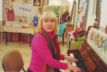 Преподаватель музыкальной школы им. А. Караманова  Эвелина Втюрина