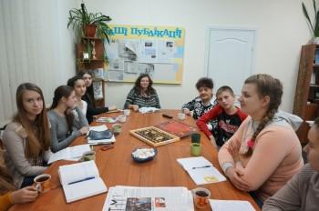 круглий стіл з молоддю – гуртківцями «ЮНІ –ПРЕС»