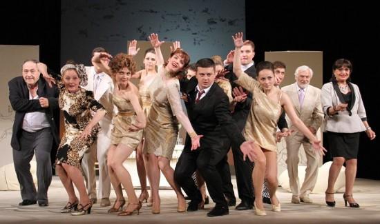 Сцена з вистави. Фото з сайту Національного академічного театру ім. Лесі Українки